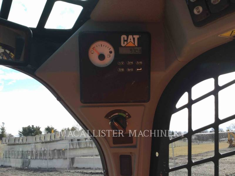 CATERPILLAR MINICARGADORAS 242D equipment  photo 17