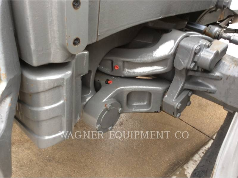 CHALLENGER TRACTORES AGRÍCOLAS MT575B equipment  photo 21