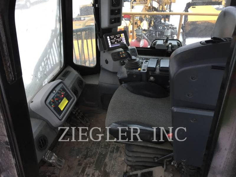 CATERPILLAR TRACTEURS SUR PNEUS 836K equipment  photo 6