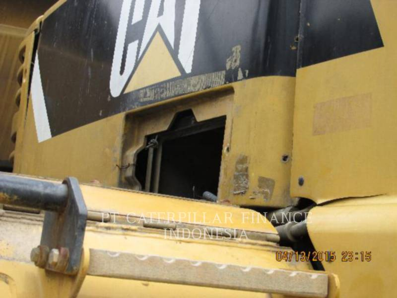 Caterpillar CAMIOANE ARTICULATE 740 equipment  photo 8