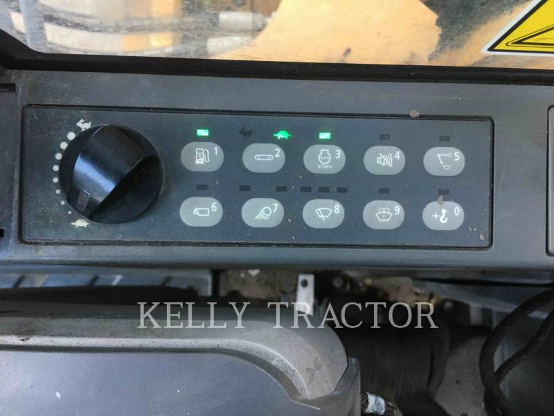 CATERPILLAR TRACK EXCAVATORS 323FL equipment  photo 15