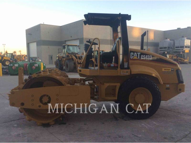 CATERPILLAR EINZELVIBRATIONSWALZE, GLATTBANDAGE CS-433E equipment  photo 7