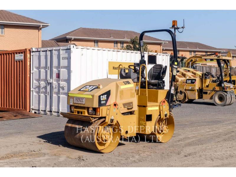 CATERPILLAR TANDEMVIBRATIONSWALZE, ASPHALT CB22 equipment  photo 1
