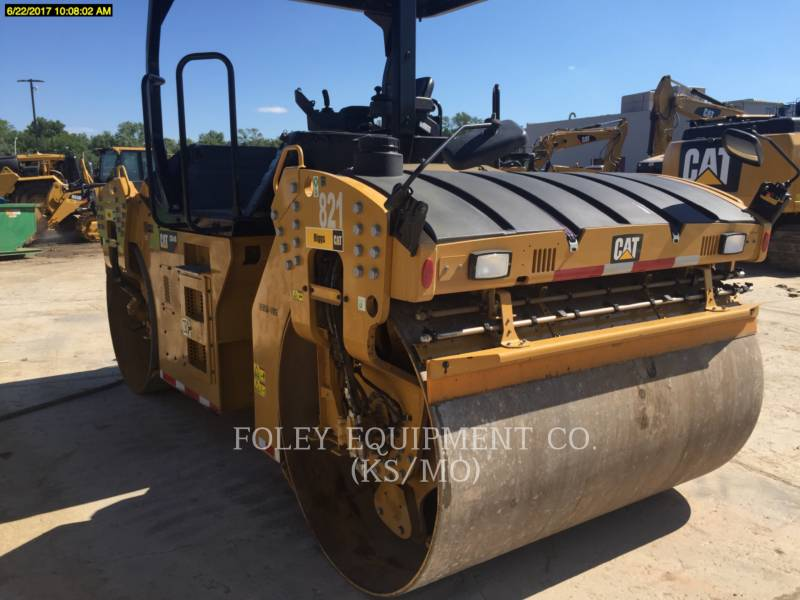 CATERPILLAR COMPACTEURS TANDEMS VIBRANTS CB64B equipment  photo 2