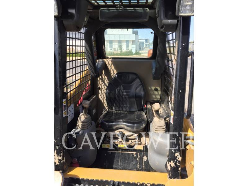 CATERPILLAR CHARGEURS COMPACTS RIGIDES 216B2 equipment  photo 6