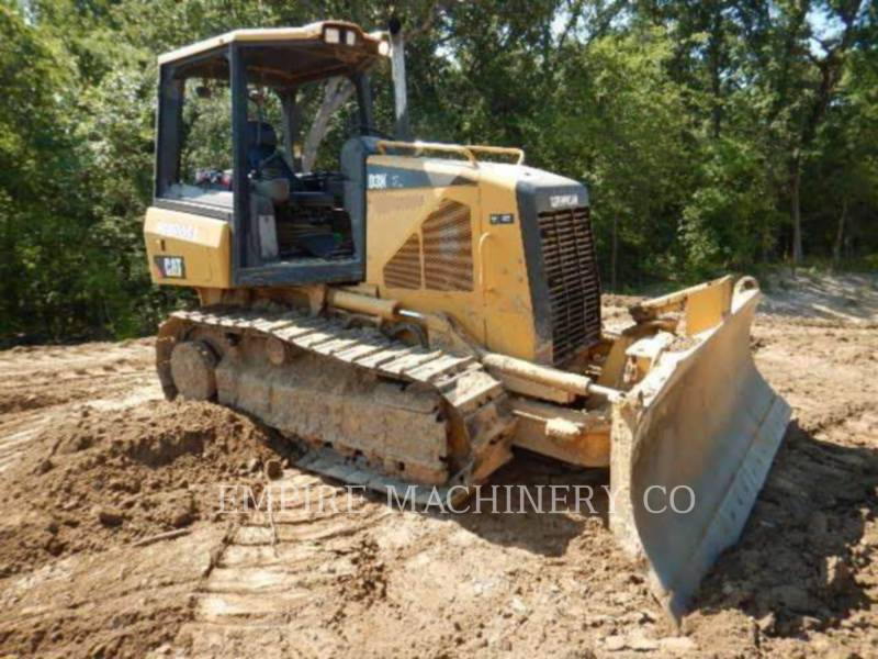 CATERPILLAR TRACTEURS SUR CHAINES D3K XL equipment  photo 4