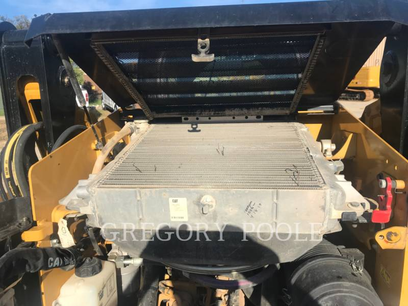 CATERPILLAR PALE CINGOLATE MULTI TERRAIN 259D equipment  photo 19