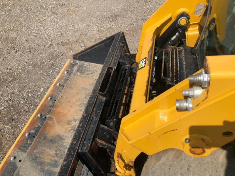 CATERPILLAR SKID STEER LOADERS 226 D equipment  photo 13