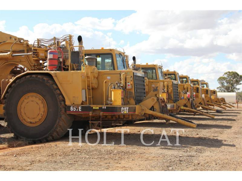CATERPILLAR WHEEL TRACTOR SCRAPERS 657E equipment  photo 2