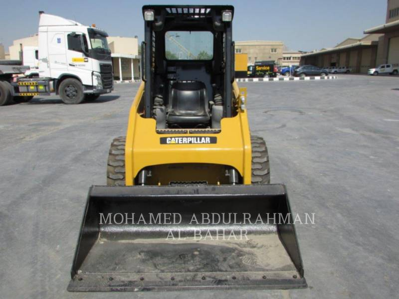 CATERPILLAR SKID STEER LOADERS 216 B SERIES 3 equipment  photo 8