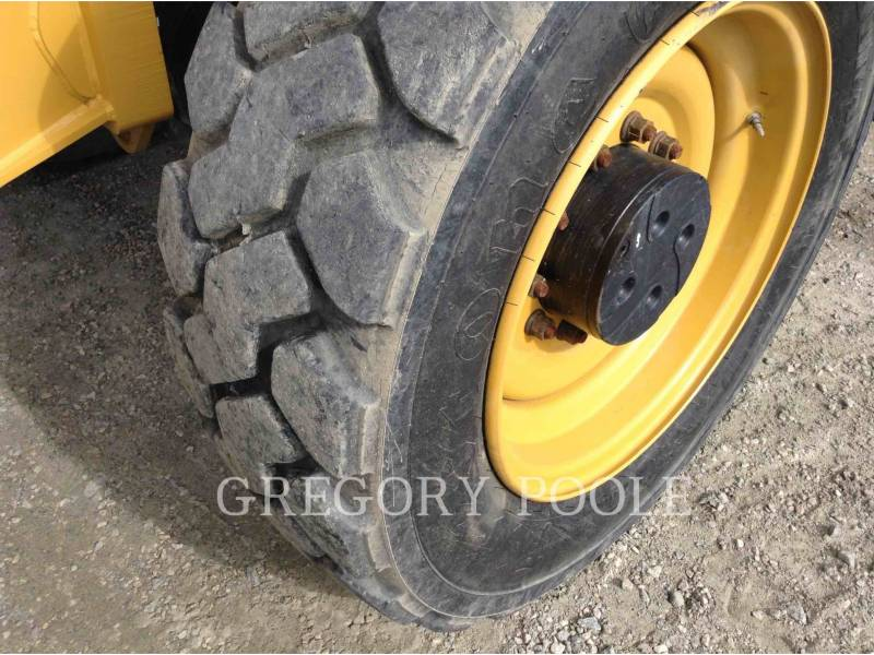 CATERPILLAR TELEHANDLER TL1055C equipment  photo 21
