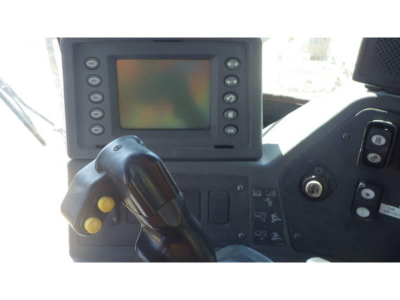 CATERPILLAR TRACTORES DE CADENAS D10T equipment  photo 15
