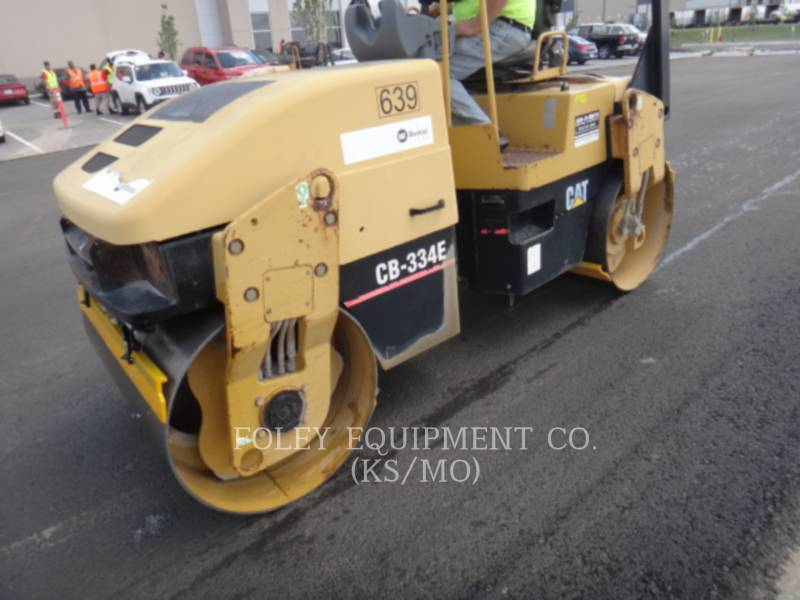 CATERPILLAR TANDEMVIBRATIONSWALZE, ASPHALT CB-334EII equipment  photo 1