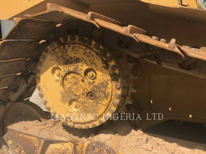 CATERPILLAR TRACK TYPE TRACTORS D 6 R LGP equipment  photo 9