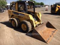 DEERE & CO. CHARGEURS COMPACTS RIGIDES 320 equipment  photo 2