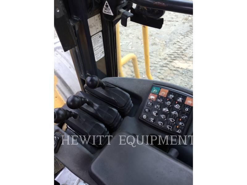 JOHN DEERE WHEEL LOADERS/INTEGRATED TOOLCARRIERS 824K equipment  photo 8