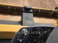 CATERPILLAR PAVIMENTADORA DE ASFALTO CB64 equipment  photo 11