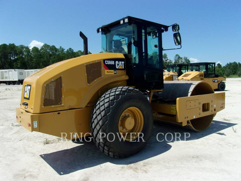 CATERPILLAR COMPACTEUR VIBRANT, MONOCYLINDRE LISSE CS66B equipment  photo 4