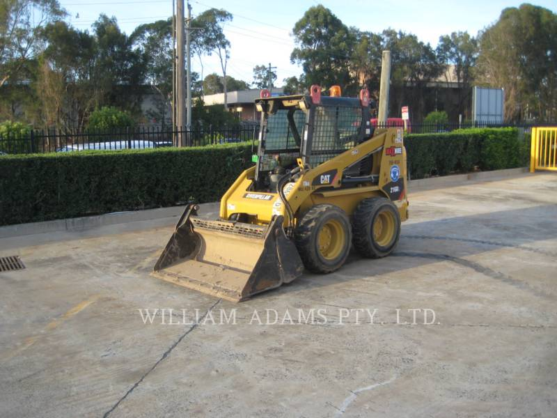 CATERPILLAR SKID STEER LOADERS 216B3 equipment  photo 2