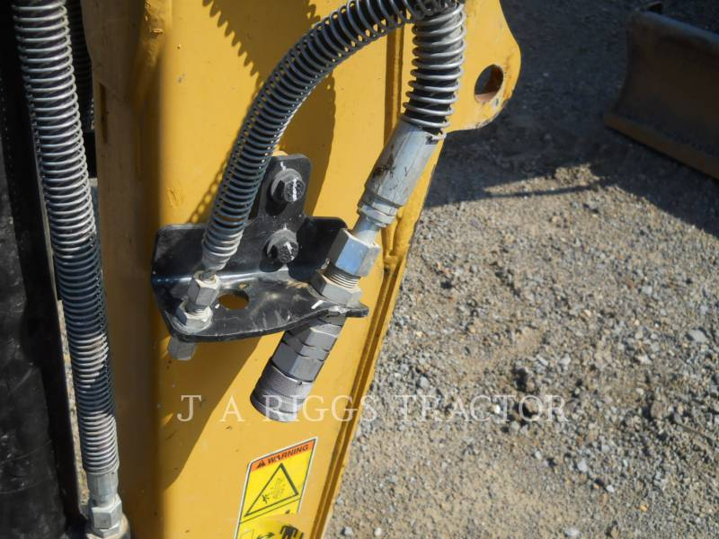 CATERPILLAR TRACK EXCAVATORS 305E equipment  photo 10