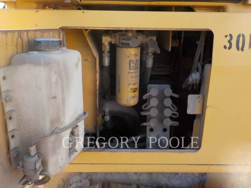 CATERPILLAR KETTENDOZER D3G equipment  photo 17