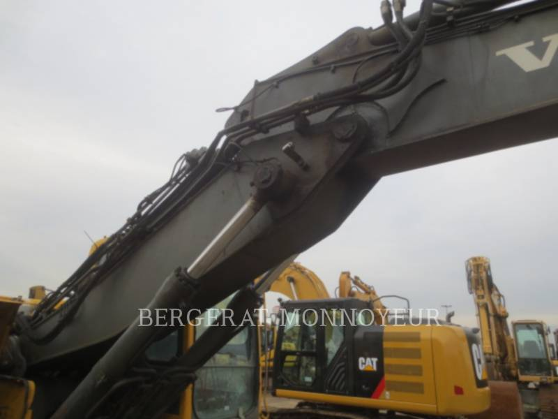 VOLVO CONSTRUCTION EQUIPMENT TRACK EXCAVATORS EC210BLC equipment  photo 21