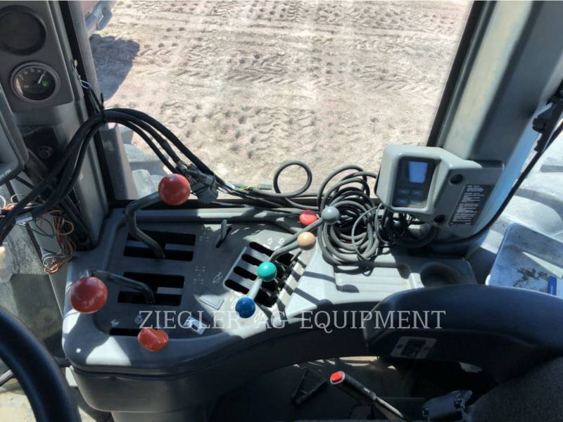 NEW HOLLAND LTD. TRACTEURS AGRICOLES 9680 equipment  photo 22