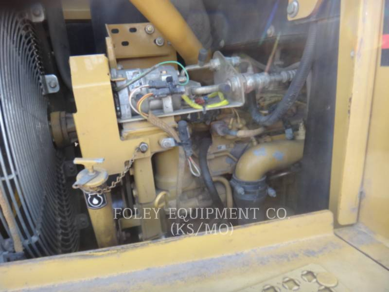 CATERPILLAR CHARGEURS SUR CHAINES 953C equipment  photo 9