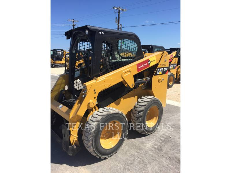CATERPILLAR CHARGEURS COMPACTS RIGIDES 226 D equipment  photo 3