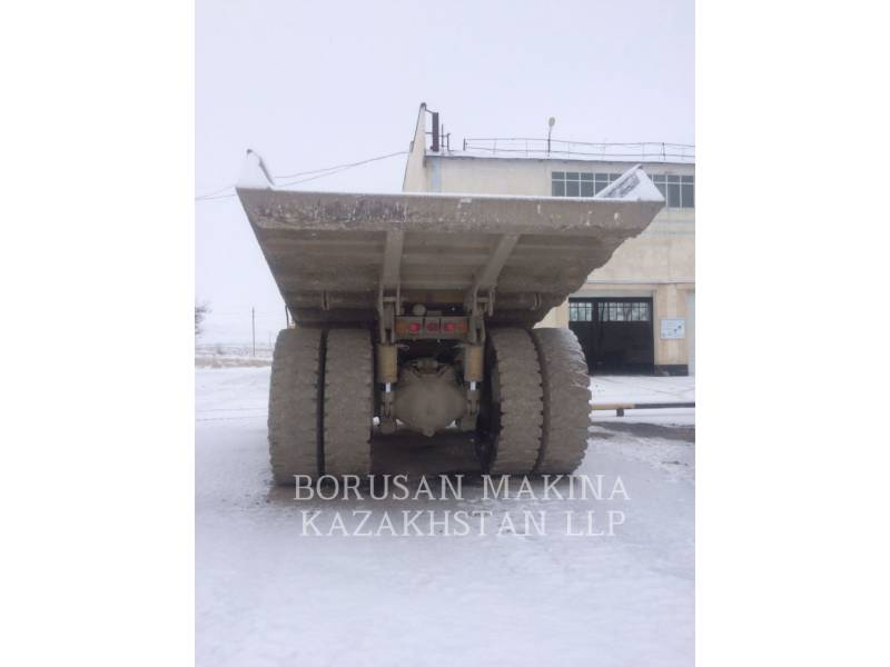 KOMATSU DUMP TRUCKS HD325  equipment  photo 2