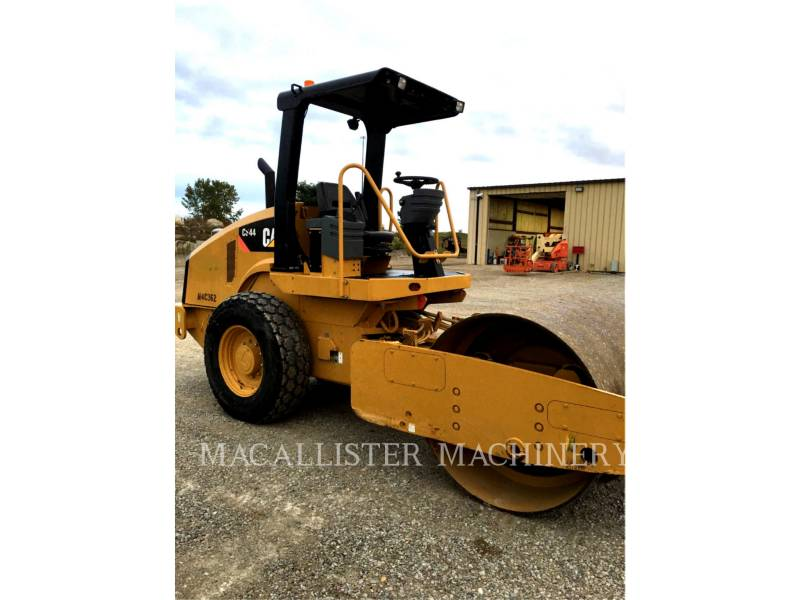 CATERPILLAR VIBRATORY SINGLE DRUM SMOOTH CS44 equipment  photo 1