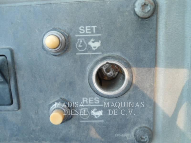 CATERPILLAR COMPACTEURS 815F2 equipment  photo 6