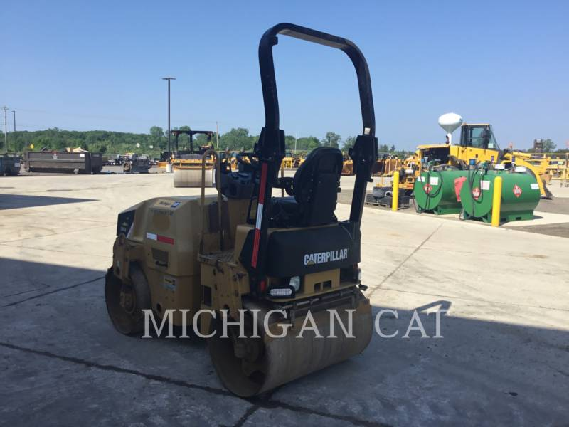 CATERPILLAR TANDEMVIBRATIONSWALZE, ASPHALT CB24 equipment  photo 4