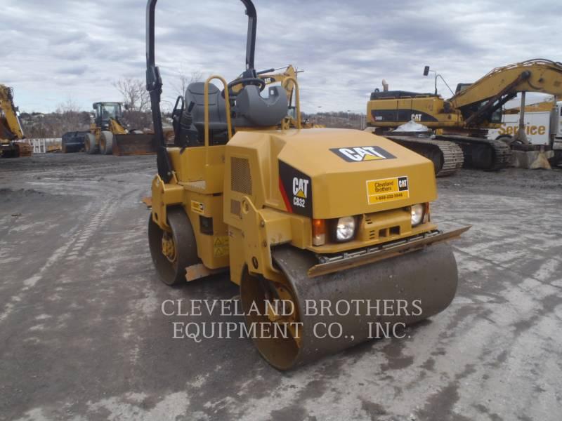 CATERPILLAR COMPACTORS CB32 equipment  photo 2
