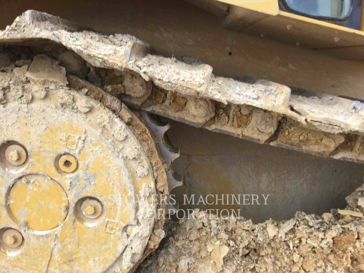 Detail photo of 2002 Caterpillar D6R from Construction Equipment Guide