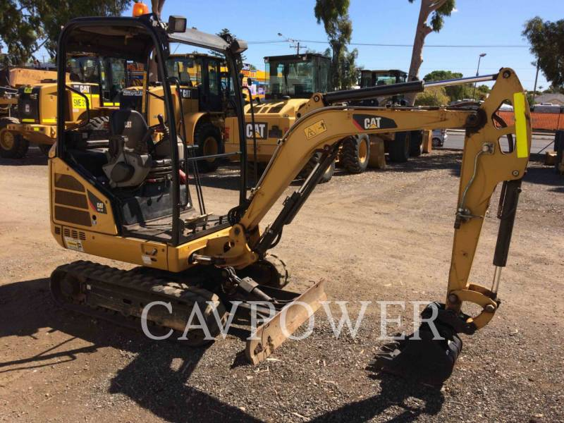 CATERPILLAR TRACK EXCAVATORS 301.7D equipment  photo 2
