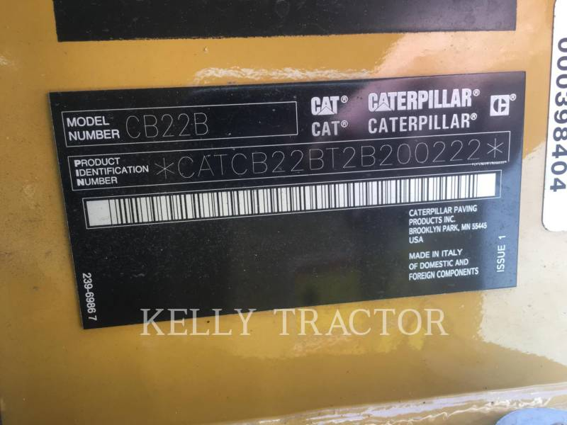 CATERPILLAR VIBRATORY DOUBLE DRUM ASPHALT CB 22 B equipment  photo 13