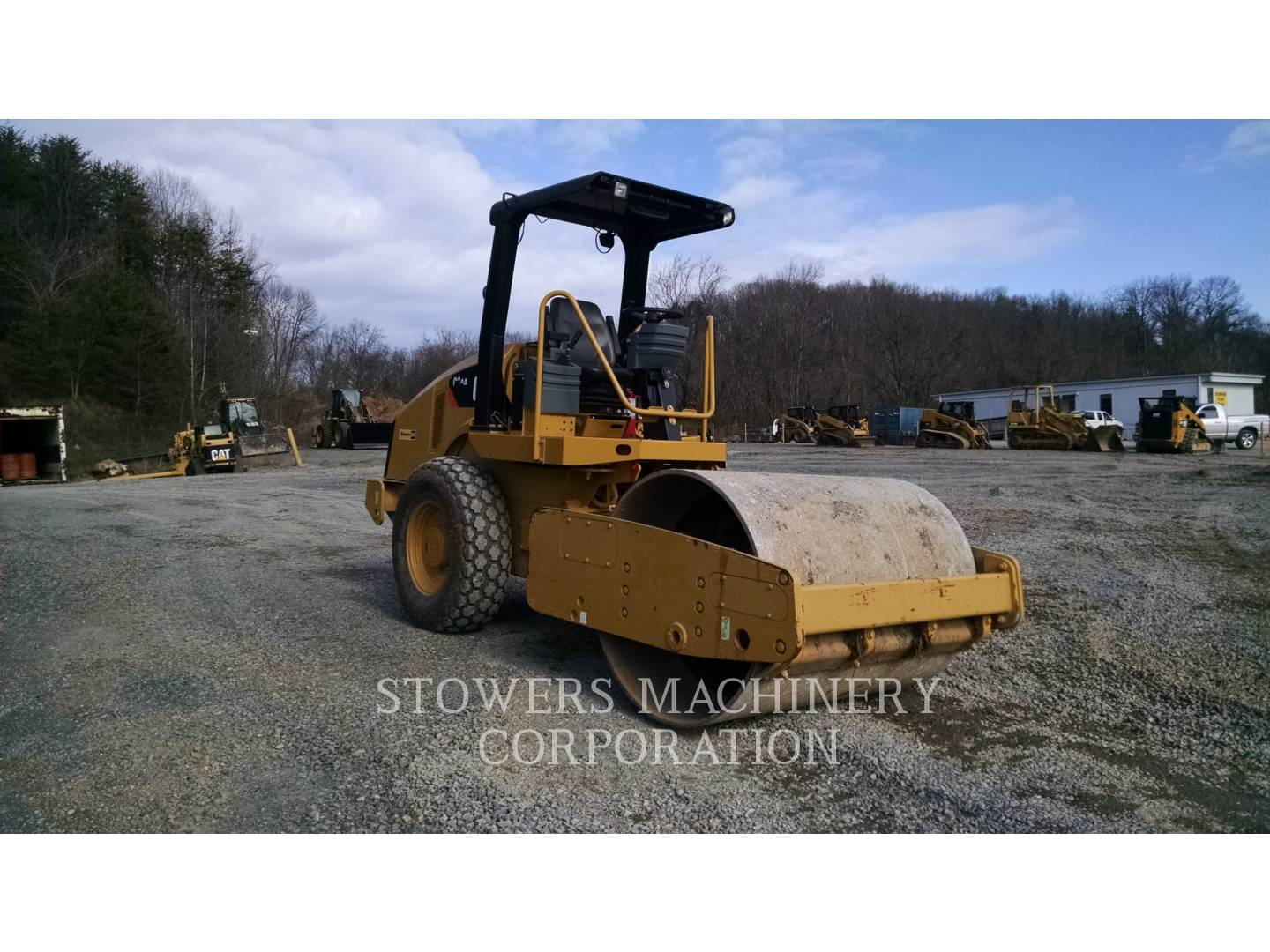Detail photo of 2015 Caterpillar CS44 from Construction Equipment Guide