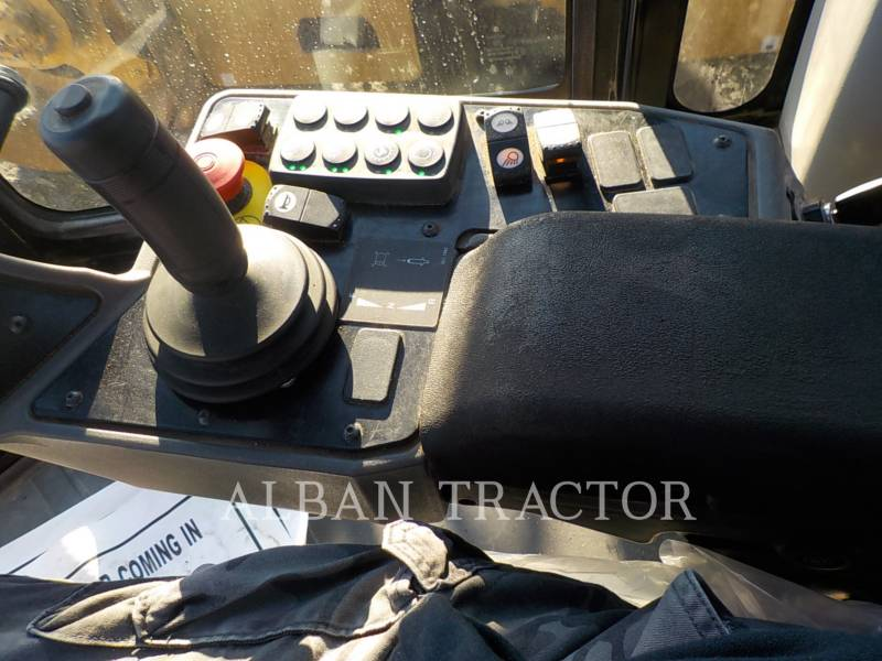 CATERPILLAR VIBRATORY SINGLE DRUM SMOOTH CS56B equipment  photo 7