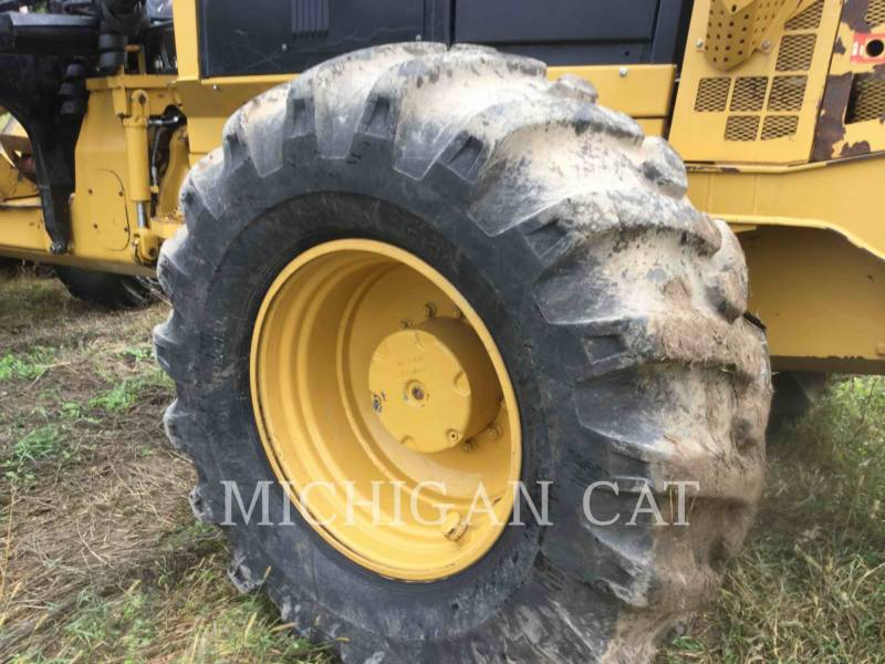 CATERPILLAR FORESTAL - TRANSPORTADOR DE TRONCOS 584 equipment  photo 19