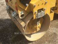 CATERPILLAR TANDEMOWY WALEC WIBRACYJNY DO ASFALTU (STAL-STAL) CB24B equipment  photo 15