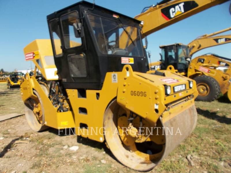 CATERPILLAR VIBRATORY DOUBLE DRUM ASPHALT CB-534D equipment  photo 2