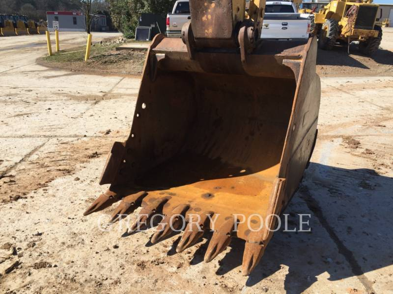 CATERPILLAR TRACK EXCAVATORS 330C L equipment  photo 13