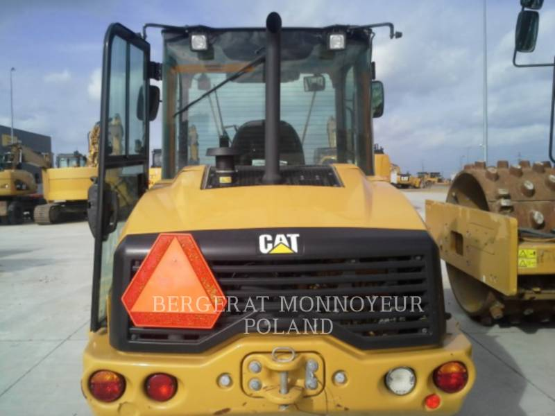 CATERPILLAR PALE GOMMATE/PALE GOMMATE MULTIUSO 906 M equipment  photo 9