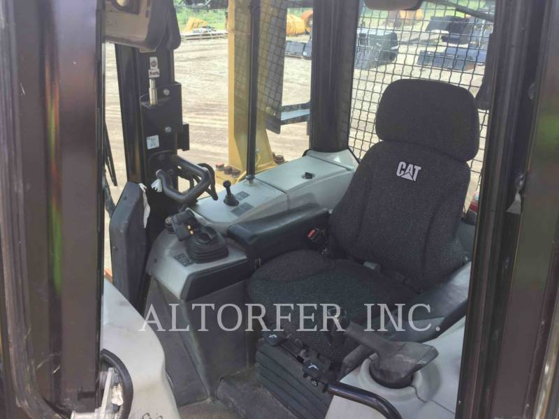 CATERPILLAR TRATTORI CINGOLATI D6NLGP equipment  photo 9