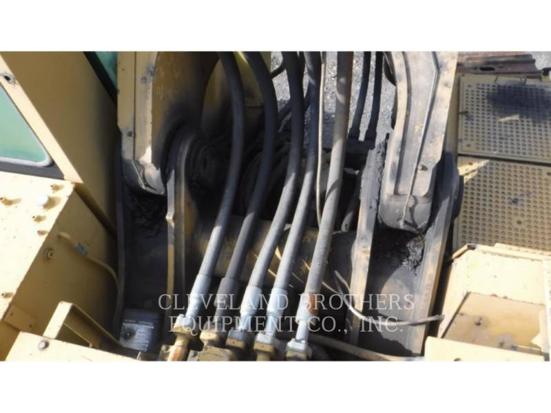 CATERPILLAR EXCAVADORAS DE CADENAS 375L equipment  photo 12