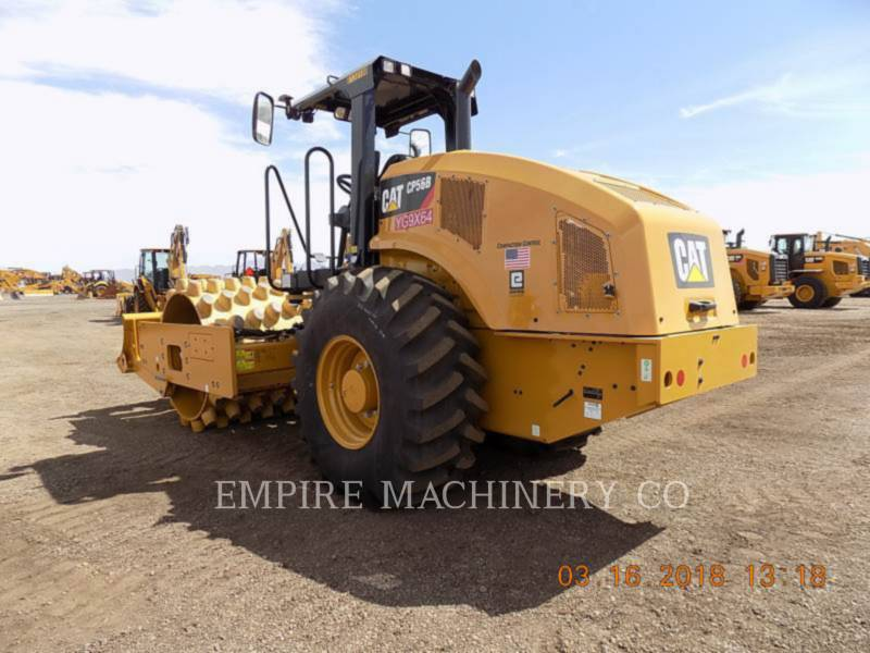 CATERPILLAR COMPACTEUR VIBRANT, MONOCYLINDRE À PIEDS DAMEURS CP56B equipment  photo 3