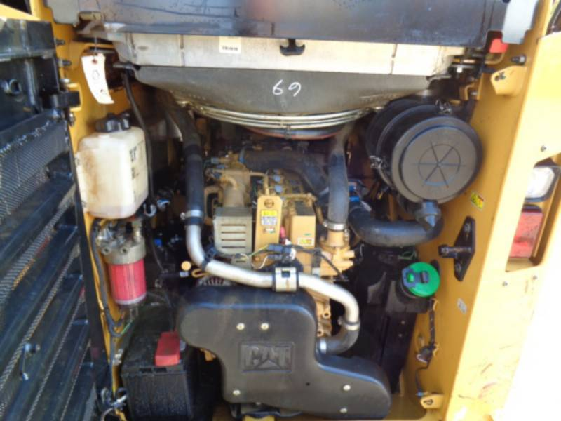 CATERPILLAR CHARGEURS COMPACTS RIGIDES 262D equipment  photo 15