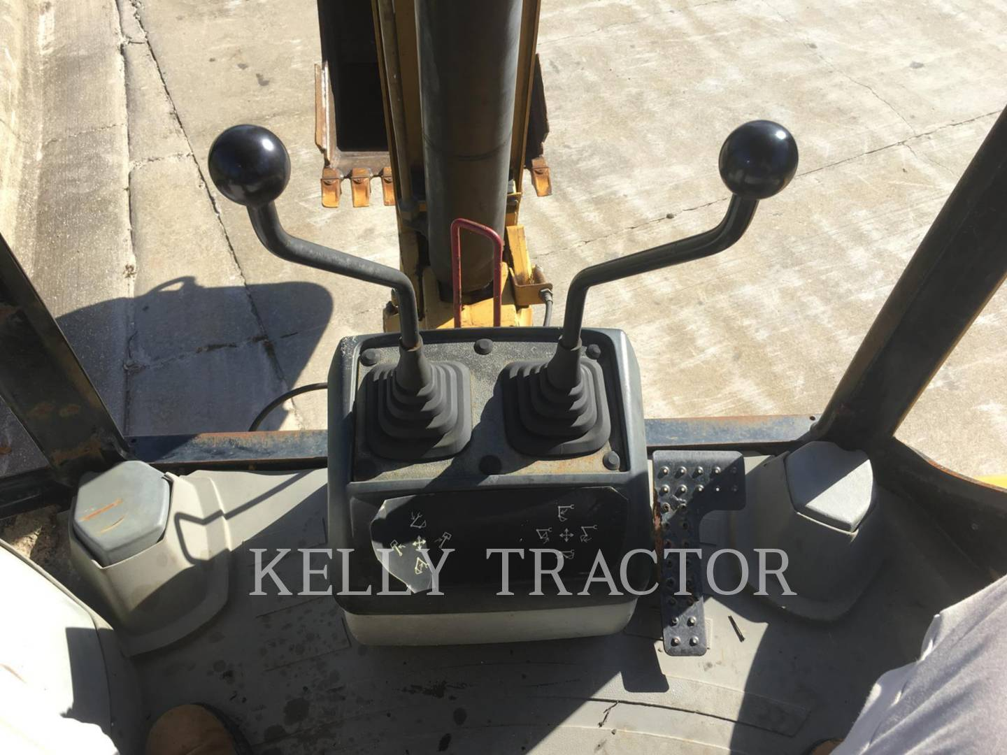 Detail photo of 2007 Caterpillar 416E from Construction Equipment Guide