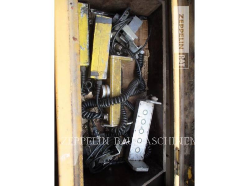 DYNAPAC ROZŚCIELACZE DO ASFALTU F182CS equipment  photo 10